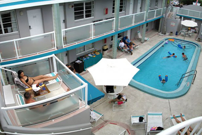 Camelot Beach Suites Clearwater Fl