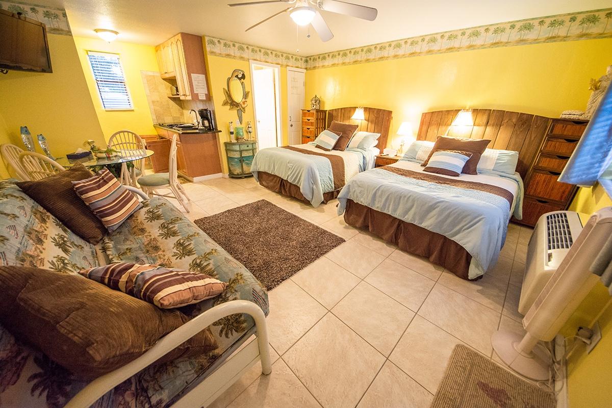 Camelot Beach Suites Beachy Thumbnail