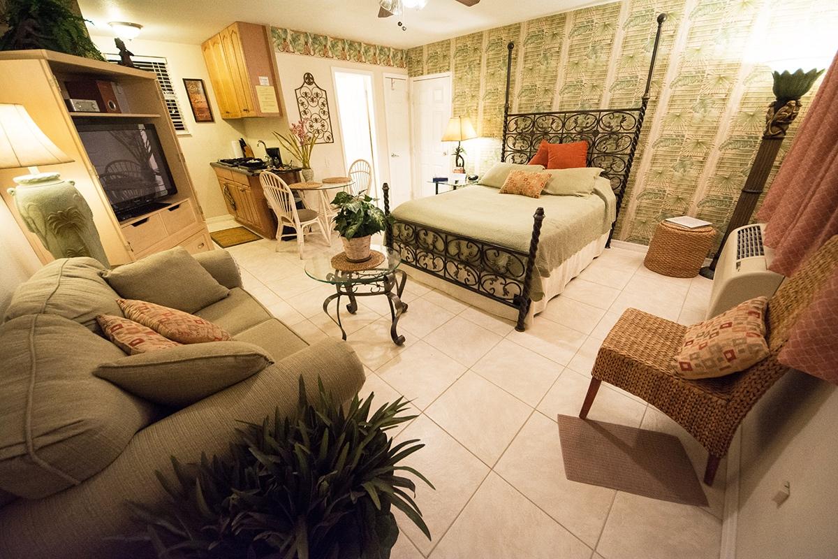 Camelot Beach Suites Romantic Preview